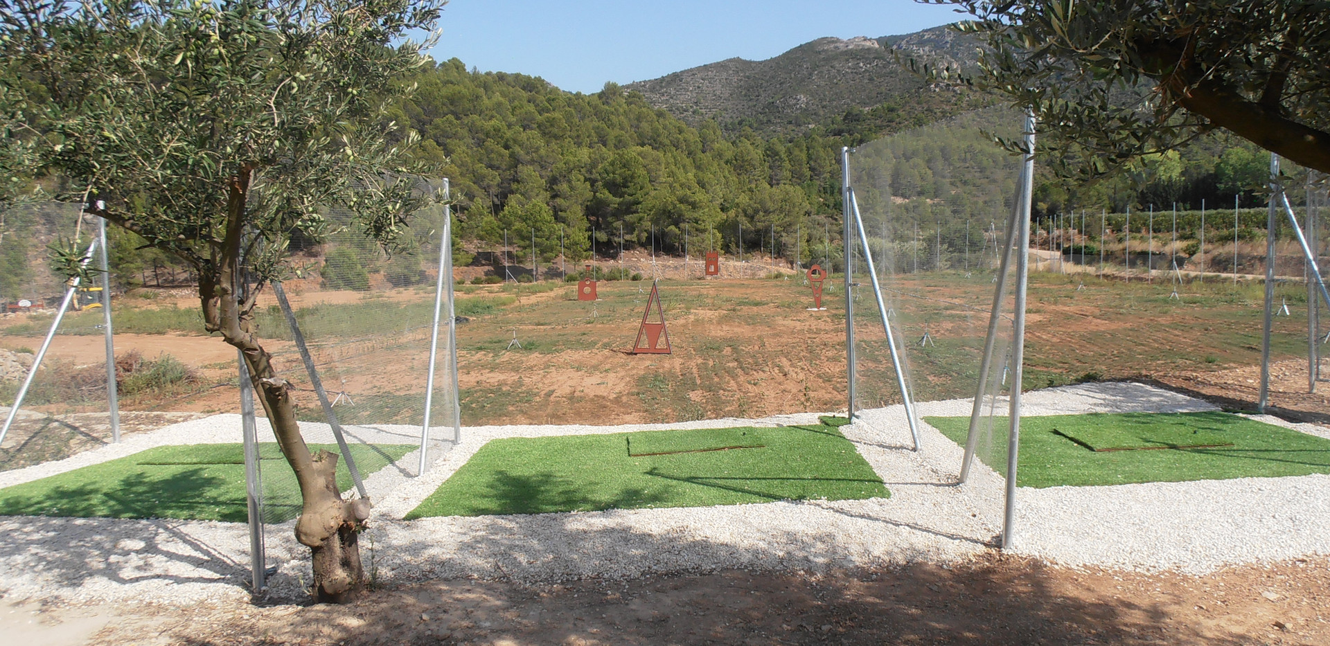 oasis country park golf driving range
