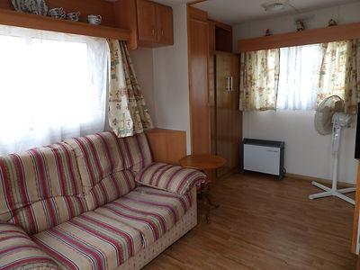 Alucasa 6740 pet area living room