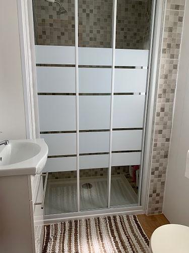 albir oasis park two bedroom mobile home bathroom