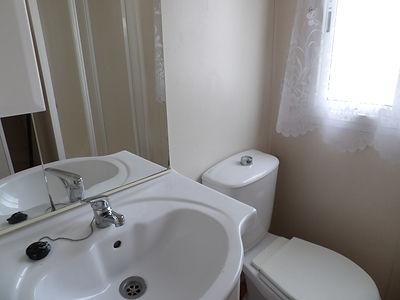Alucasa 6740 Pet area bathroom