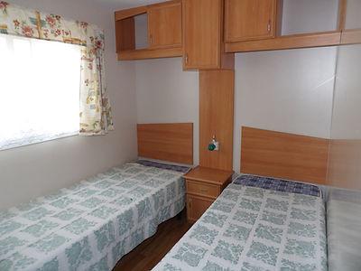 Alucasa 10440 PA17 twin bedroom