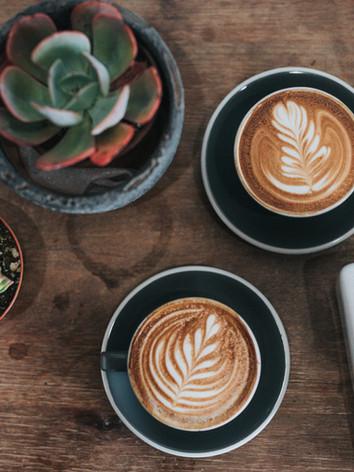 Pflanzen und Kaffee