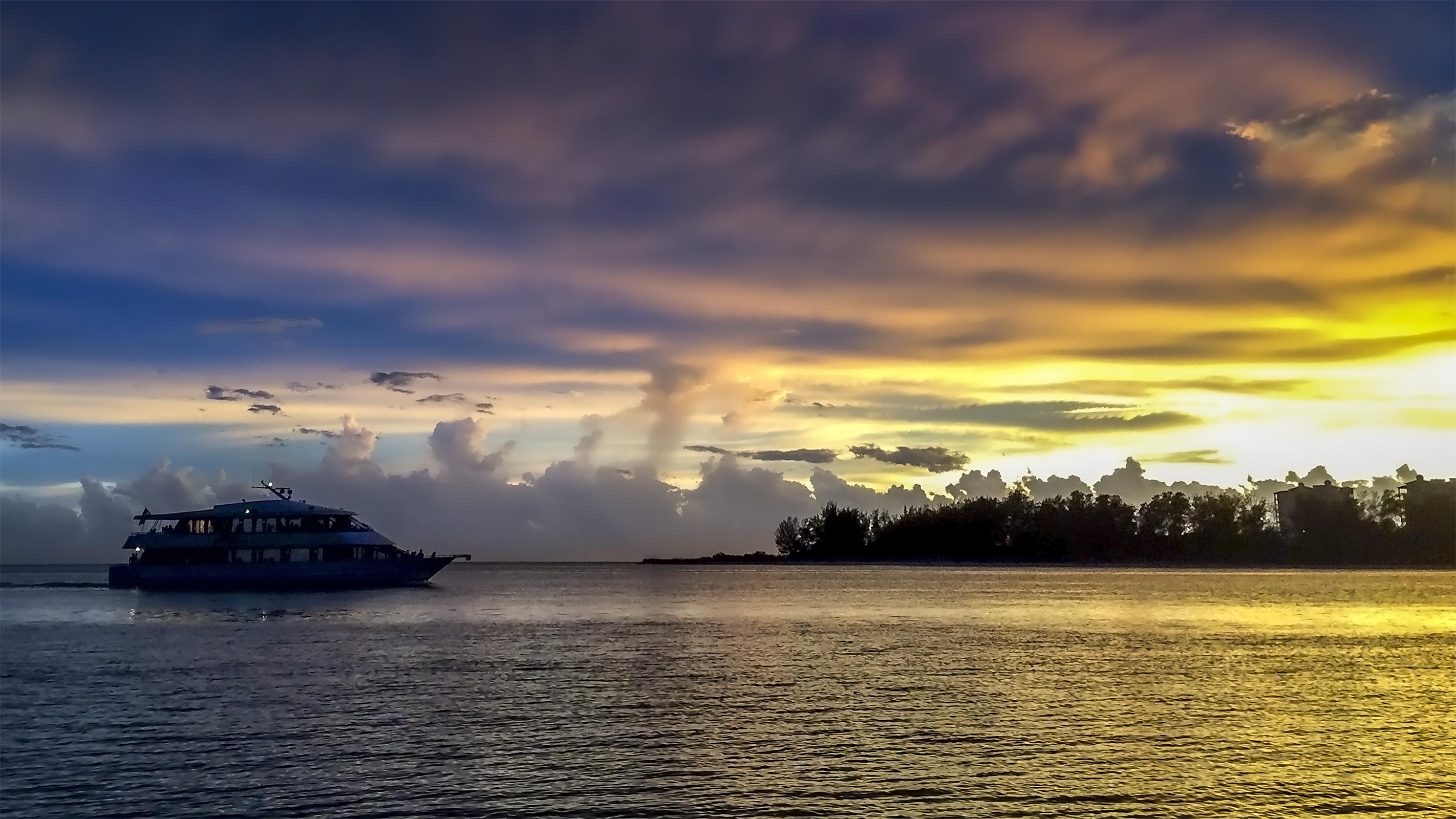 Marina-Jack-II-Sunset