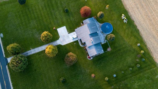 aerial-photography-car-color-1590336.jpg