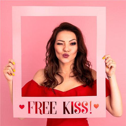 Free Kiss Selfie Photo Frame