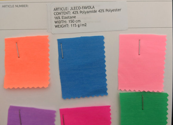 42% Polyamide 42% Polyester 16% Elastane