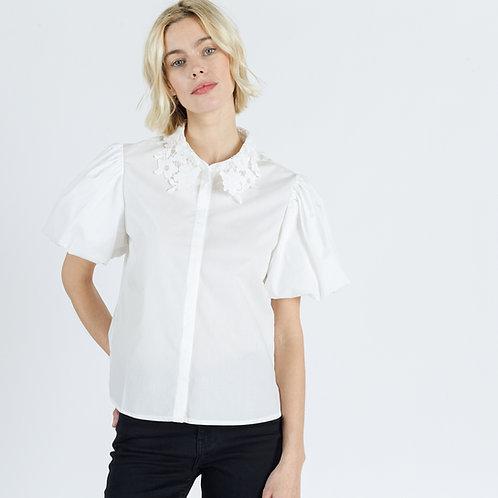 חולצה לבנה מכופתרת צווארון תחרה שרוולים קצרים נפוחים