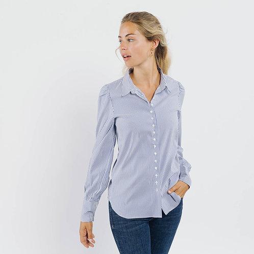 חולצת פסים מחוייטת, כתפיים עם נפח, כפתורים