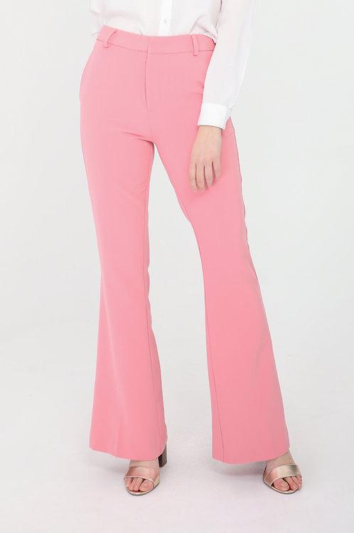 מכנסיים בגזרה גבוהה ומתרחבת