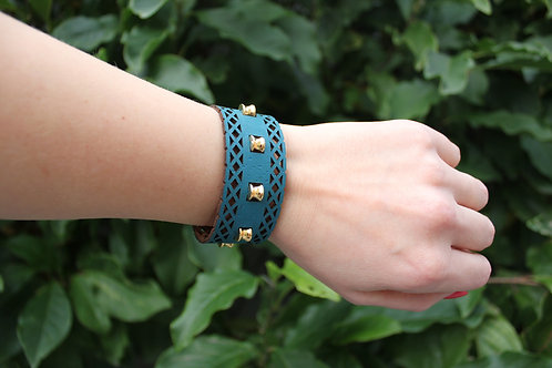 Bracelet inspired by Moroccan geometry - Blue with Gold coloured metal