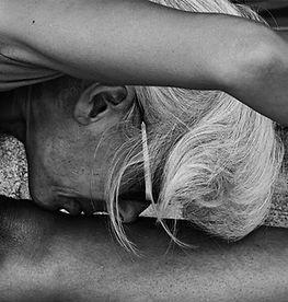 Isabelle, professeure de Yoga Iyengar | Roquefort-les-Pins & Mouans-Sartoux | Holiways