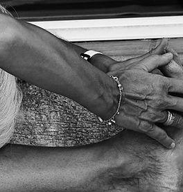 Isabelle Lecomte, professeure de Yoga Iyengar | Roquefort-les-Pins & Mouans-Sartoux | Holiways