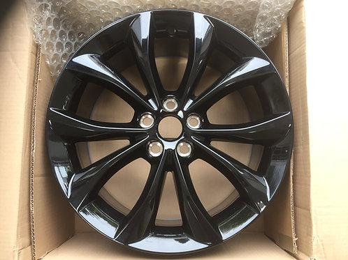 18in Helix XF 8J Gloss Black