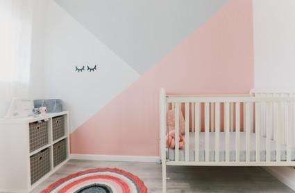חדר תינוקת מעוצב