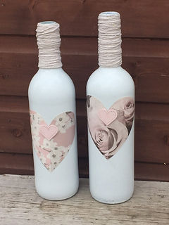 upcyled wine glass bottles display bottles pink hearts rustic twine string hessian