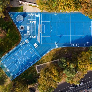 Tu wolno grać  piłkę