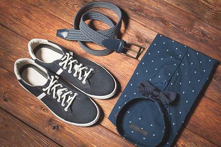 Mans oblečení a boty