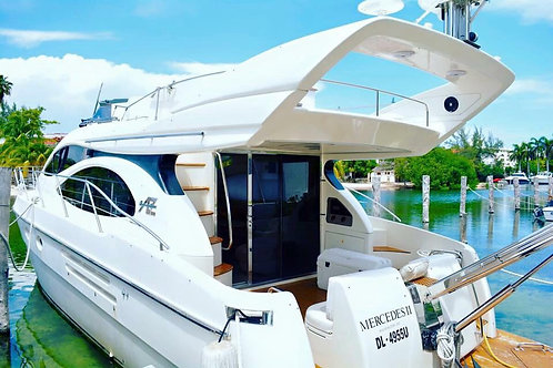 CHARTERS/YACHT 4 HOURS TOUR