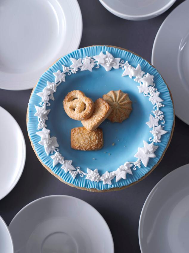 Art-Fund-Edible-Wedgewood-Plate-Kim-Morp