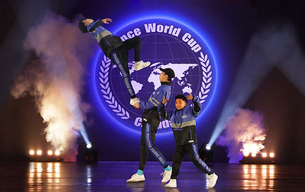 DWC_Cover_Lucky_Aces_Stretch.jpg