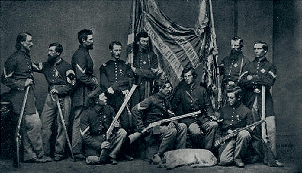 Civil War soldiers armed with Henry rifles