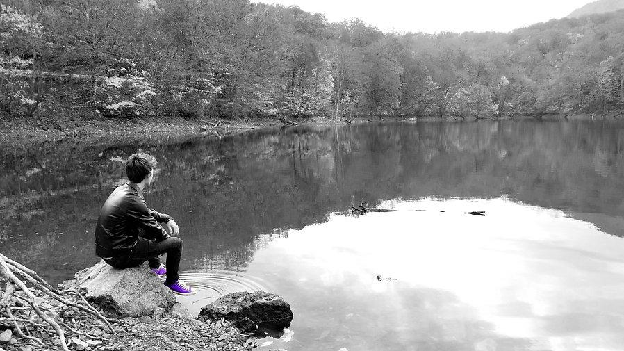Fearious Black on the Lake in Aomori