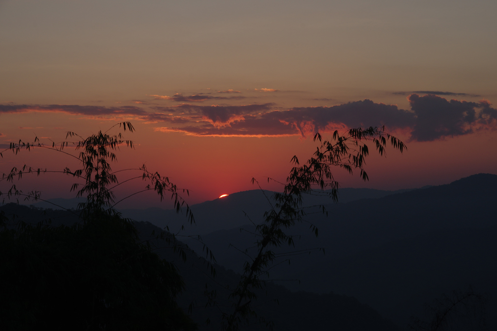 akha-sunrise-00