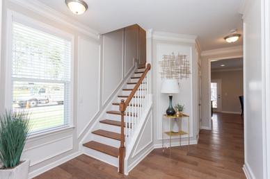 Entryway/Stairway