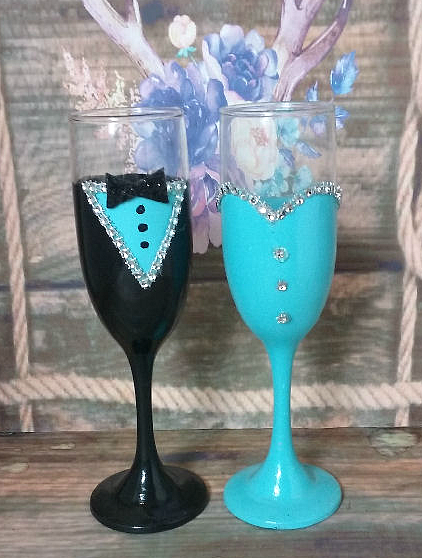 Bridesmaid and Groomsman Champagne Flute set