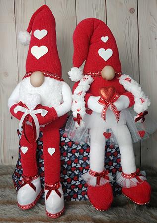 Frederick & Freya sitting Valentine Gnomes