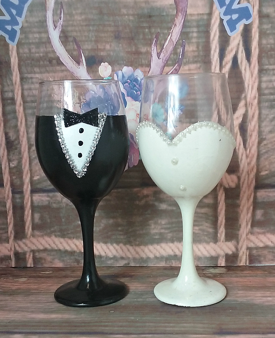 Bride and Groom 20 oz Wine Set