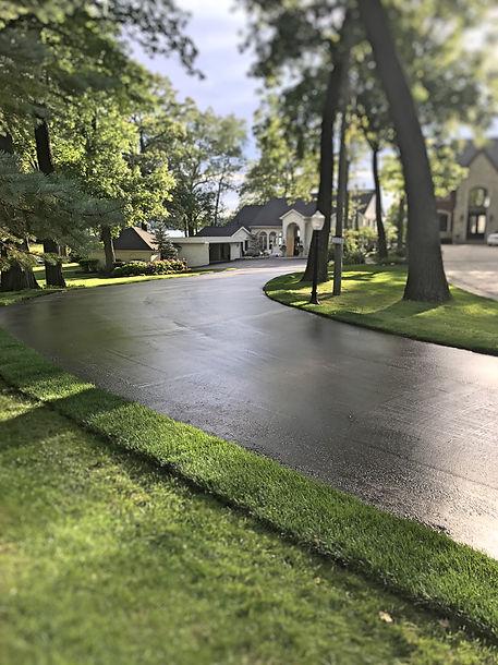 asphalt drive way