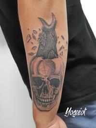 tatouage skull corbeau