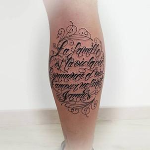 tatouage lettrege by Yoguiot