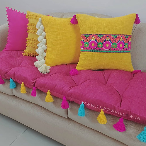 Lounge Tufted Cushion with tassels