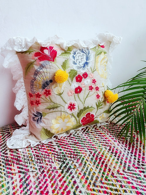 Garden Throwpillow with frill & buds