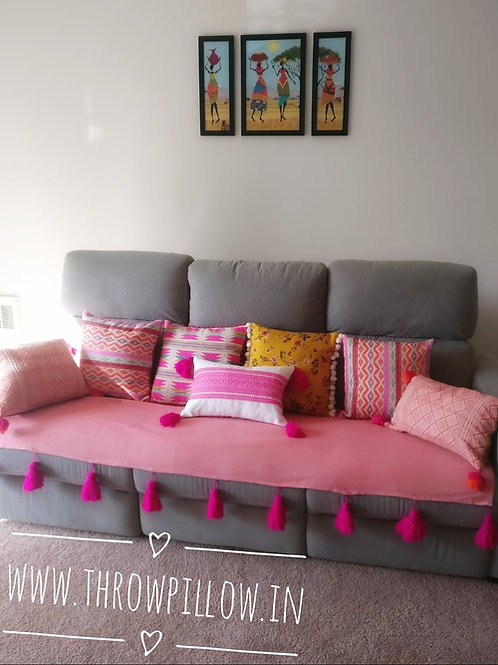 Coral Romance Combo Set- 7 Cushions & Throw
