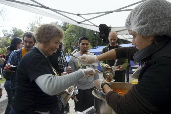 Feeding 2012