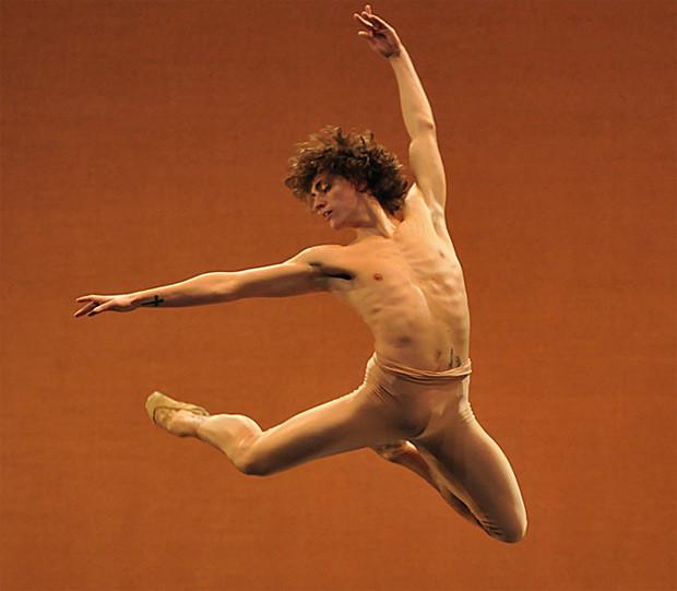 dm-narcisse-sergei-polunin-high-jump_620.jpg