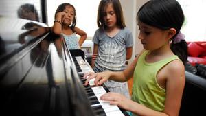 Beneficios del aprendizaje musical en niños
