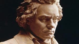 Jugar en el piano: descarga esta hermosa sonata de Beethoven en PDF