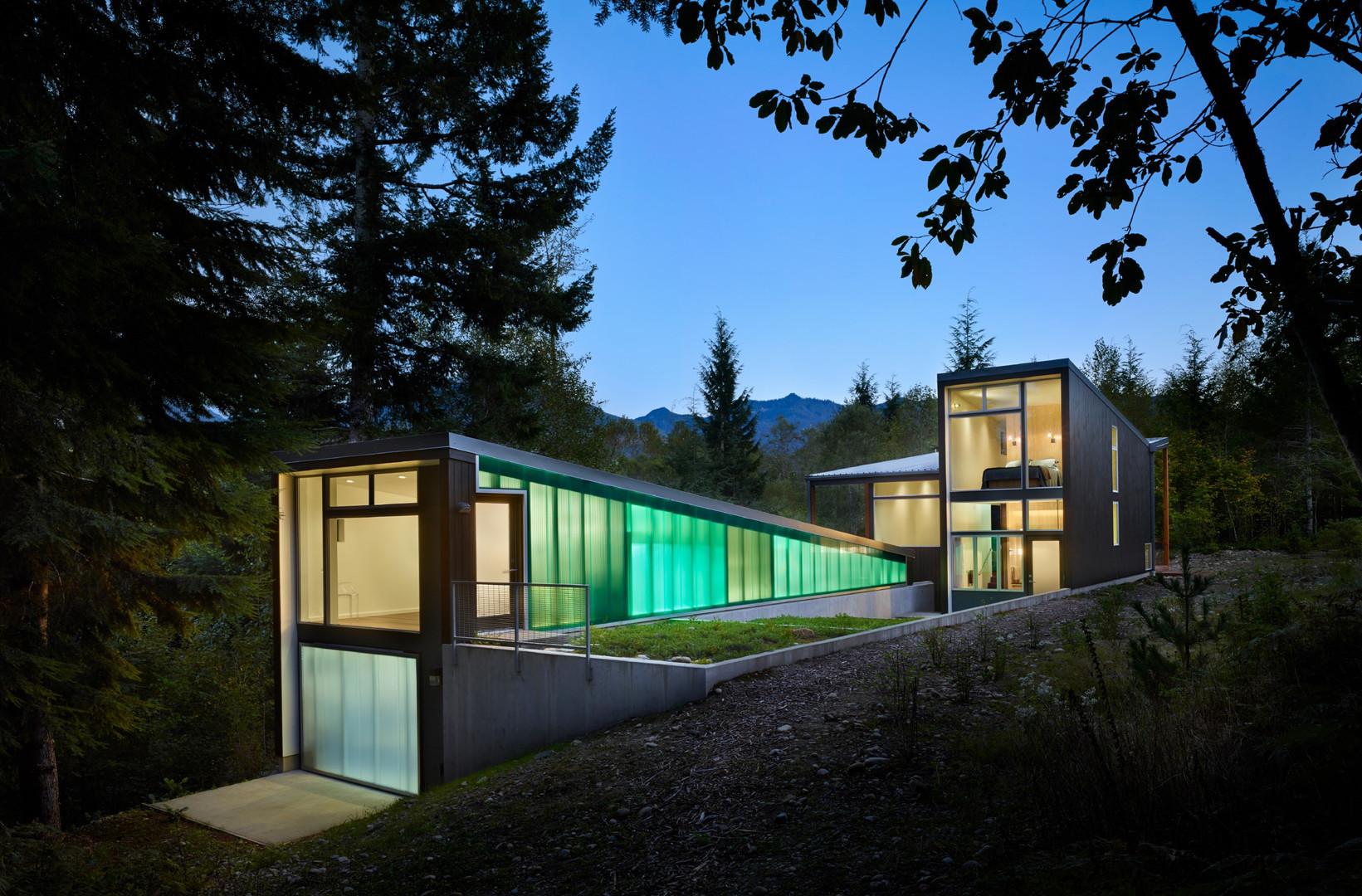 ARCHITECTURE, Residential: Bear Run Cabin