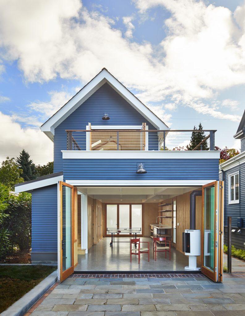 SHKS ARCHITECTS blue house, garage
