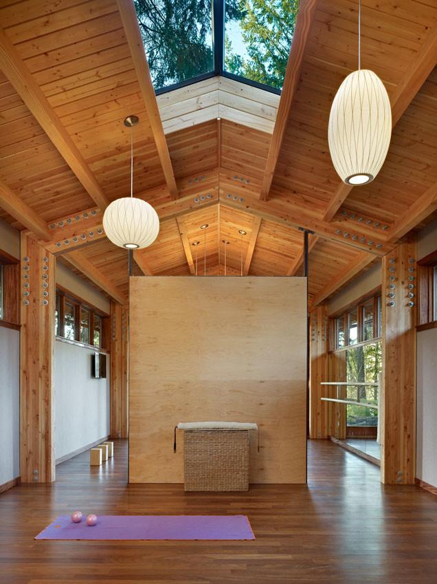 SHKS ARCHITECTS yoga studio
