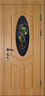 Входная стальная дверь с декоративным витражом с цветочным орнаментом