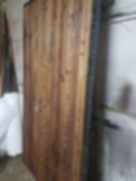 Дверь металлическая Лофт с отделкой доской