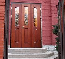 Важность маркетинга при продаже входных железных дверей.