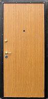 Недорогой вариант входной стальной двери с отделкой ламинатом
