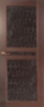 Дверь с отделкой кожей и мдф
