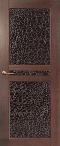 Элитная входная дверь с отделкой из МДФ и крокодильей кожи